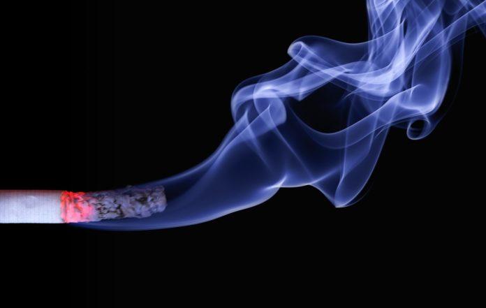 pedimom-ash-burning-cigar-70088