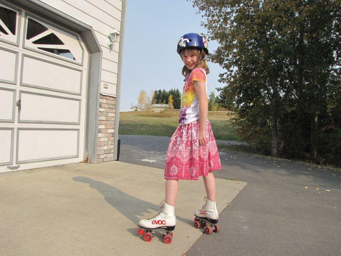 pedimom-roller-skating-678491_1920