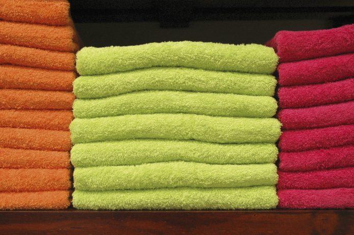 pedimom-towel-1324997_1920